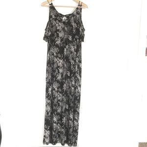 Short Sleeve Black and White Maxi Dress Size Large